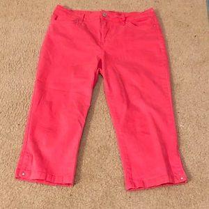 Coral color Bandolino Cropped Pants